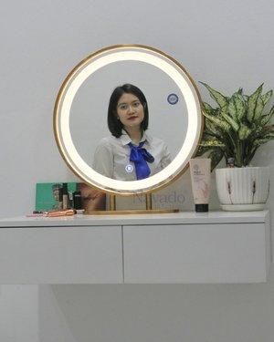 Gương trang điểm để bàn viền inox